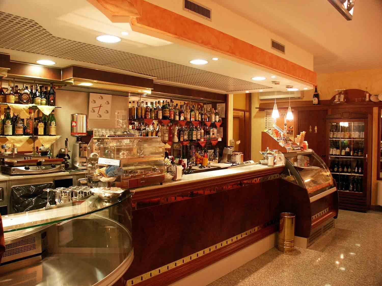 Come aprire un bar con l'autocertificazione?